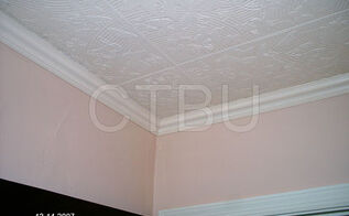 diy styrofoam ceiling tile over water stained popcorn ceiling, diy, home maintenance repairs, tiling, Guest Bedroom After S 09 Butterfly imprint Styrofoam tile