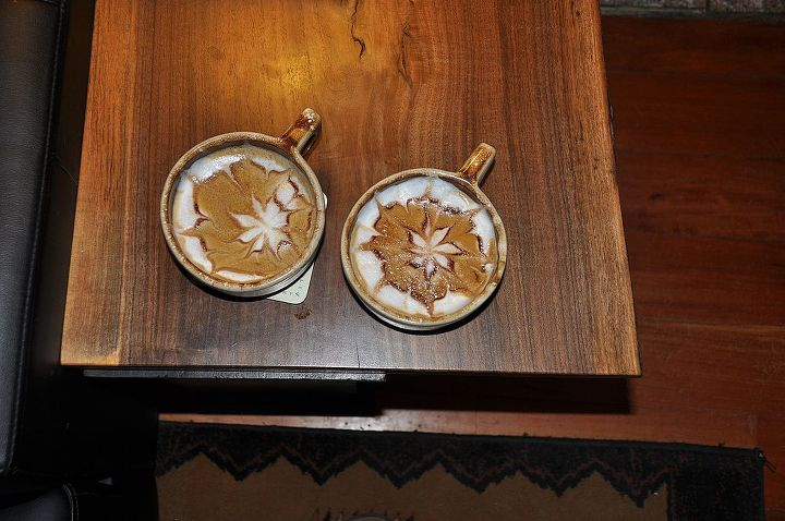 Chocolate etched maple lattes.