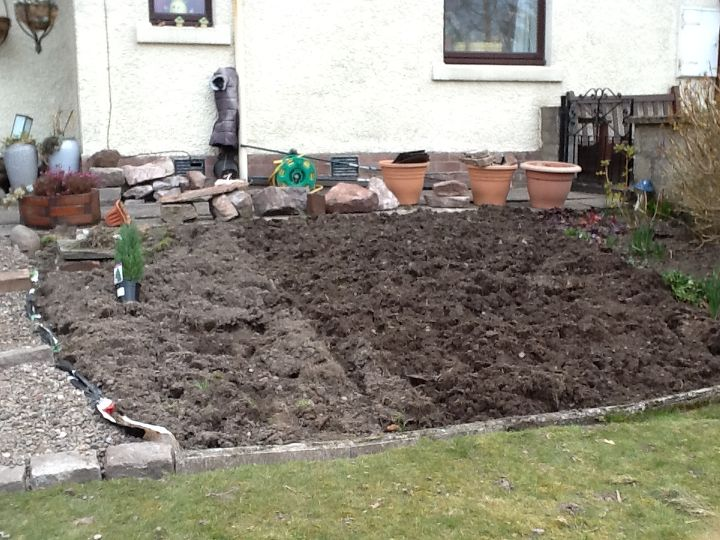All dug out awaiting the stones.