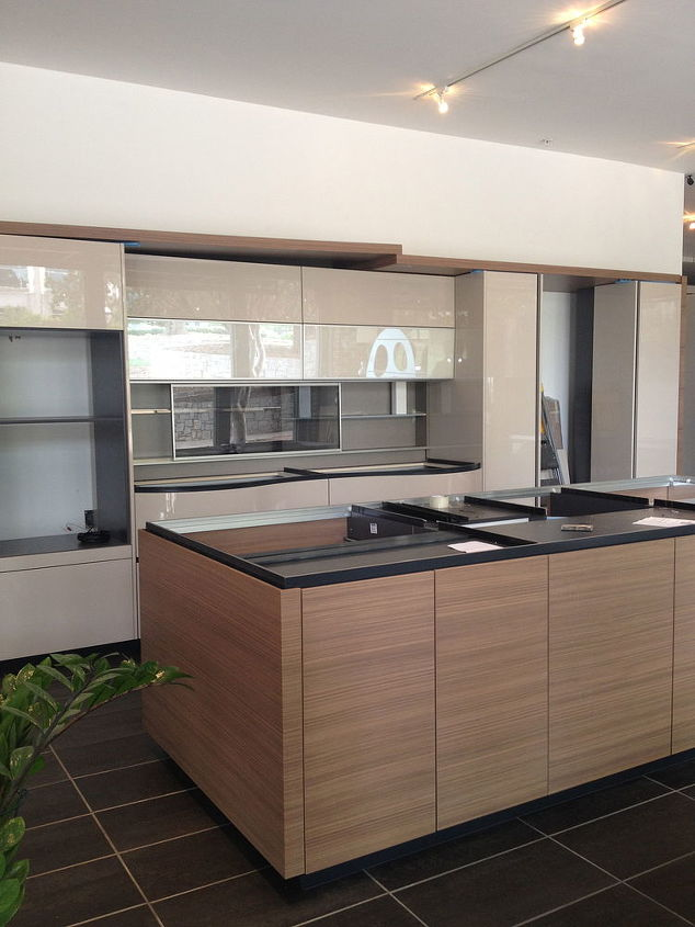 new showroom displays, home decor, kitchen design, kitchen island, Dune island in walnut and back wall in lacquer