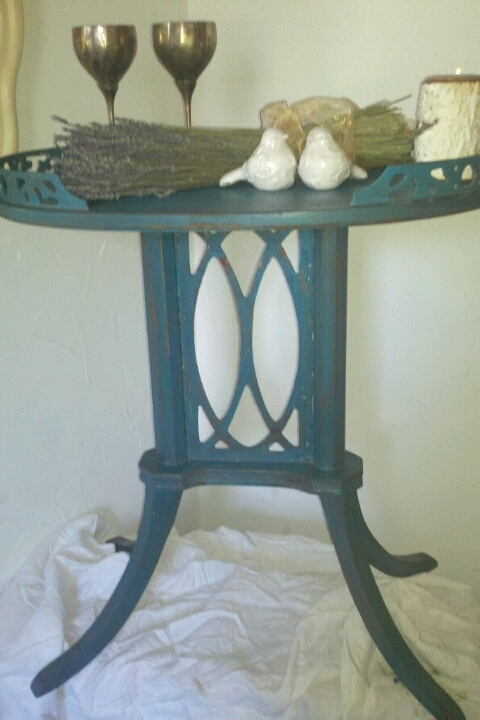 diy furniture, painted furniture, Little Table Blue