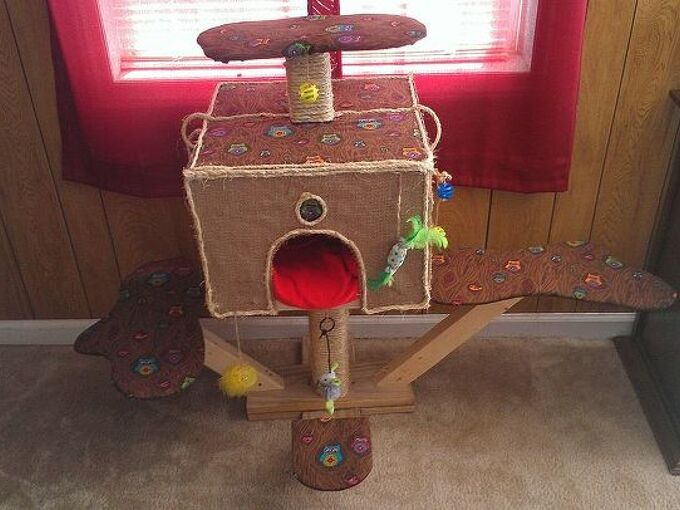charlie s tree house diy cat scratching post, diy, pets animals, woodworking projects