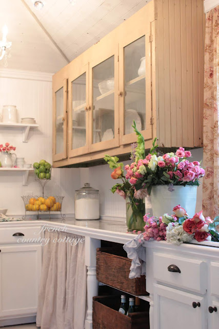 building a vintage inspired farmhouse kitchen, home decor, kitchen design