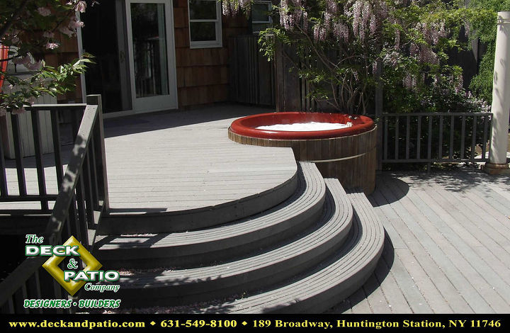Curved Trex decking with curved deck and round hot tub