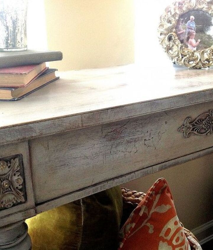 $25 Table, and My First Time Using Annie Sloan Chalk Paint