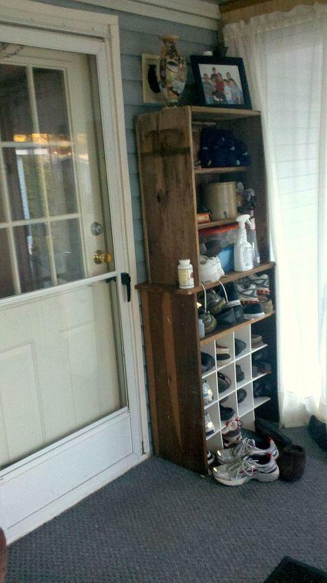 Side, a door to get in.