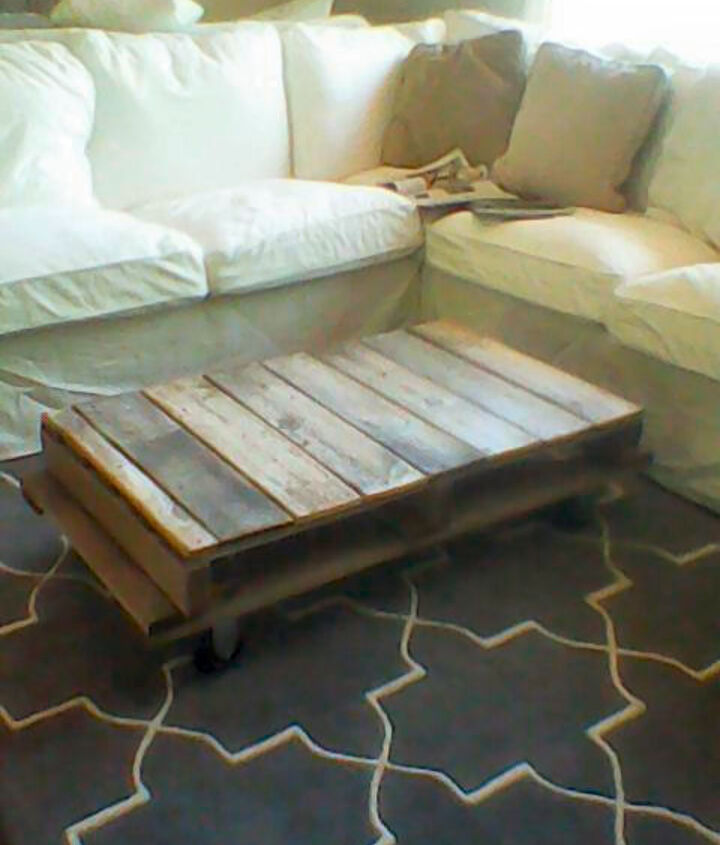 pallet fence board coffee table, diy, painted furniture, pallet, repurposing upcycling