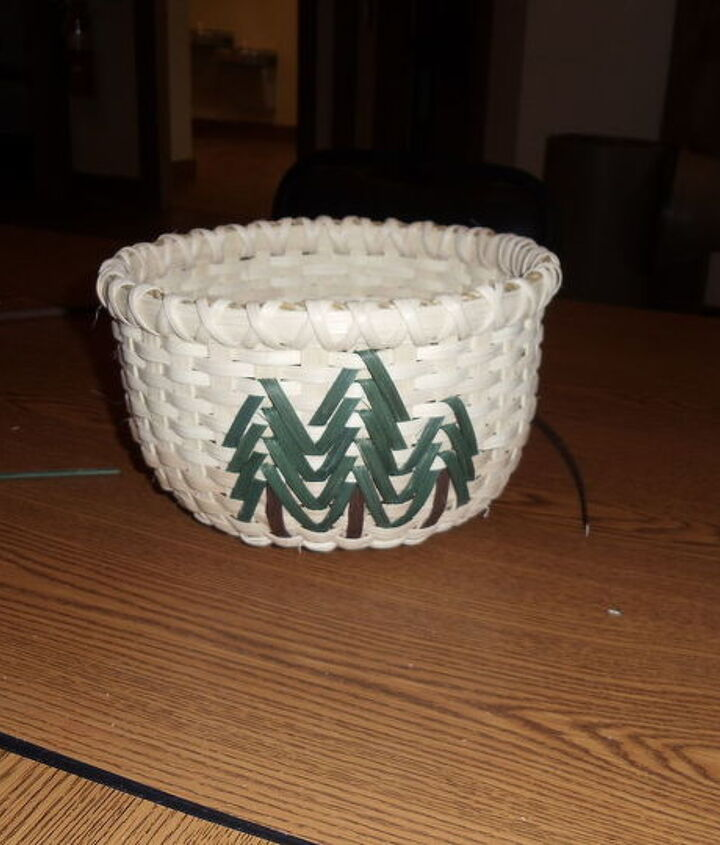 This is my finished basket and the size it should be, I was so excited it came out so nice and even.  I decided to wrap the top twice to have the X affect, like it better than just once