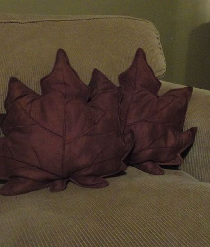 placemats turned into throw pillows, crafts, repurposing upcycling