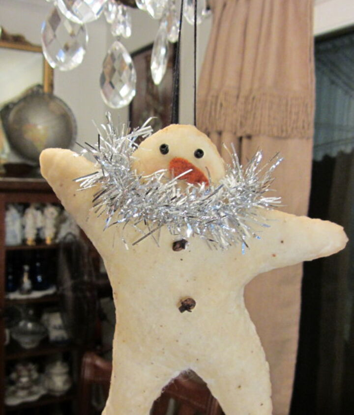 If you can blanket stitch, you can make this star snowman.