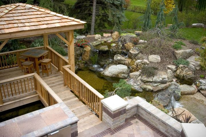 The floating gazebo provides additional viewing areas.