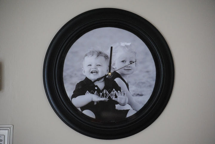 This sweet photo clock is perfect as a gift or for your office or even a kids' room.