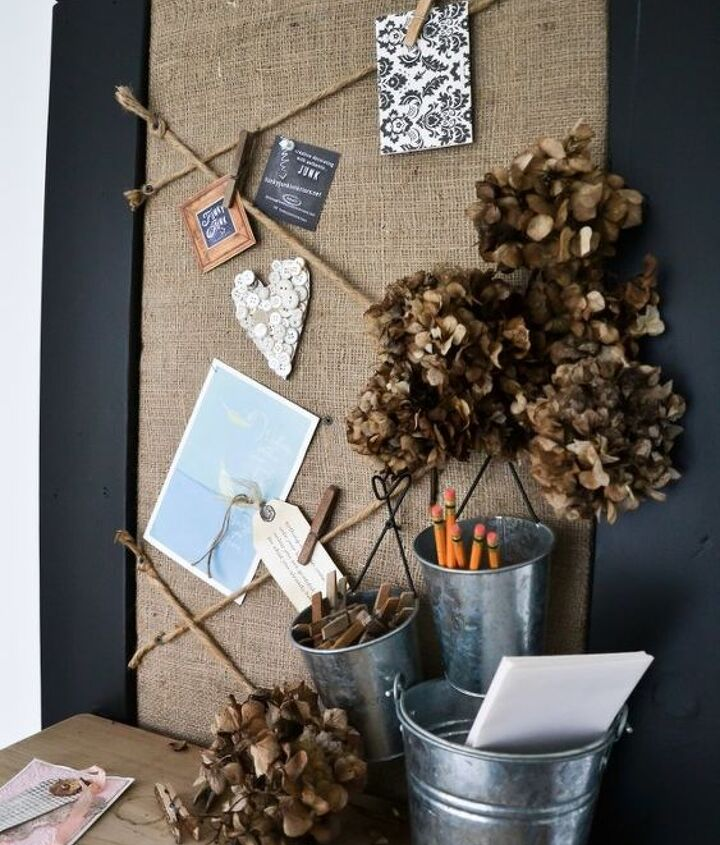 A bulletin board with two ways to hang...
