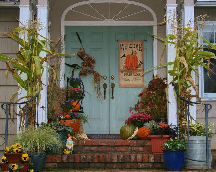 harvest time in the country, flowers, seasonal holiday decor