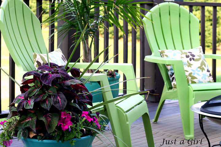 Lime green and blue deck accents add a splash of color! http://justagirlblog.com/deck-decor-lowes-creative-ideas/