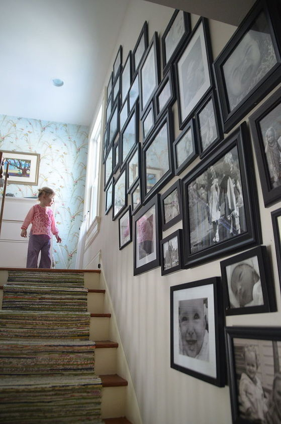 how to hang a gallery wall on the fly, home decor, wall decor