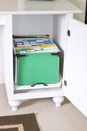 Here is what the file folders look like inside the cabinet.