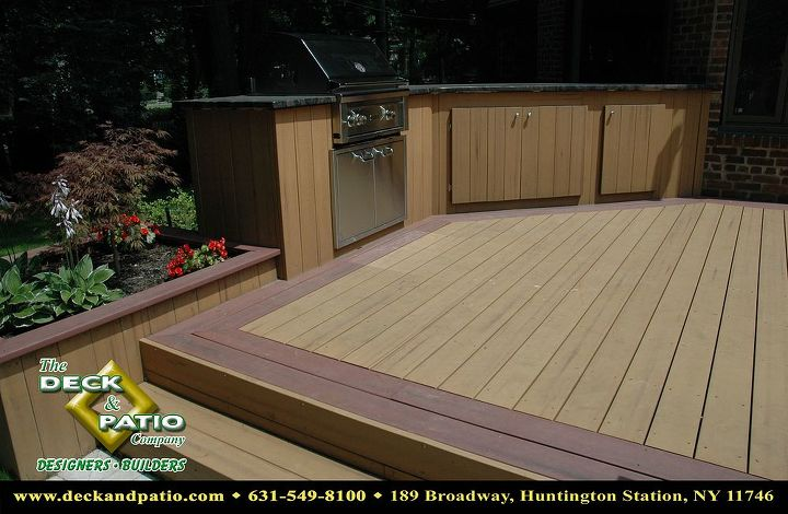 Trex 2 color deck and outdoor kitchen