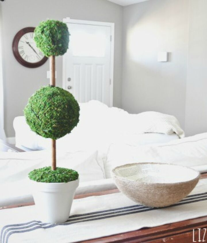 Items you will need: sheet moss, topiary form, pots, hot glue, & stain/paint optional.