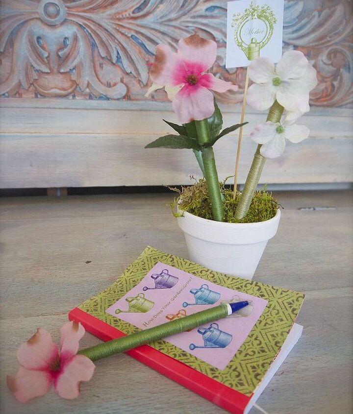 Flower pot of pens