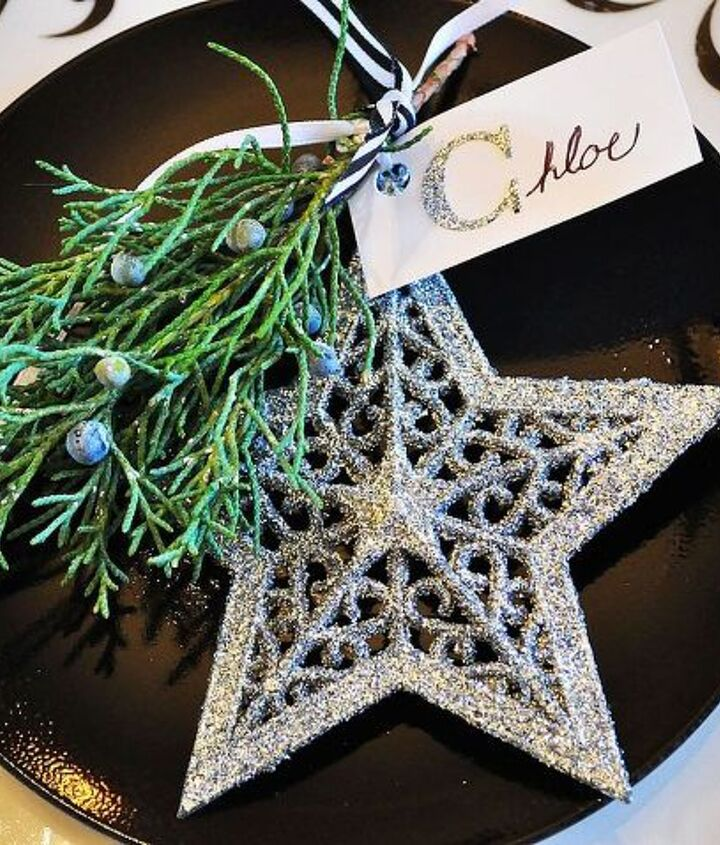 christmas dinning room, christmas decorations, seasonal holiday decor, wreaths