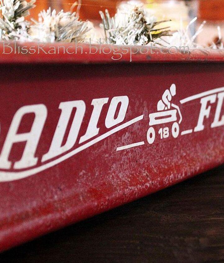 radio flyer wagon centerpiece, christmas decorations, seasonal holiday decor