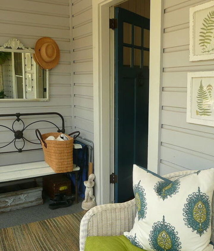 A Mirror and Art to warm up the Beach House Porch