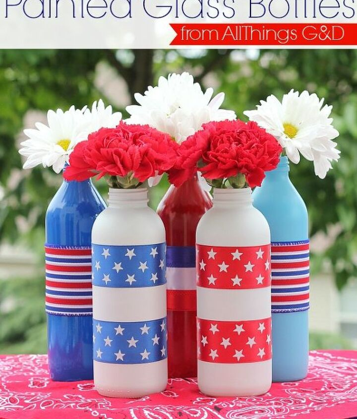 patriotic painted glass bottles, crafts, patriotic decor ideas, seasonal holiday decor