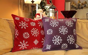 DIY Stenciled Pillows for the Holidays!