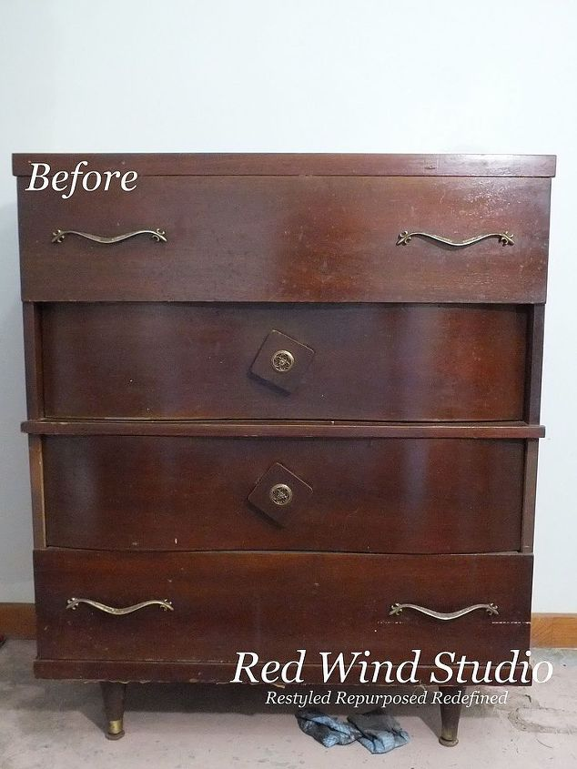 I started first by giving it a good cleaning with TSP then I rearranged the drawers until they fit properly together and looked balanced. I removed the handles and set them aside. I decided on drama for this piece. A combo I had never tried together before was Graphite and Coco in the Annie Sloan Chalk Paint ™ collection but thought it would be perfect to achieve the look I wanted. The drawers were painted Coco and the rest of the dresser including the pulls/handles was painted Graphite.