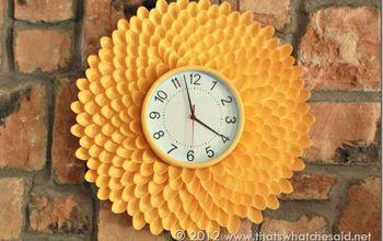 Make a Chrysanthemum Clock From Plastic Spoons