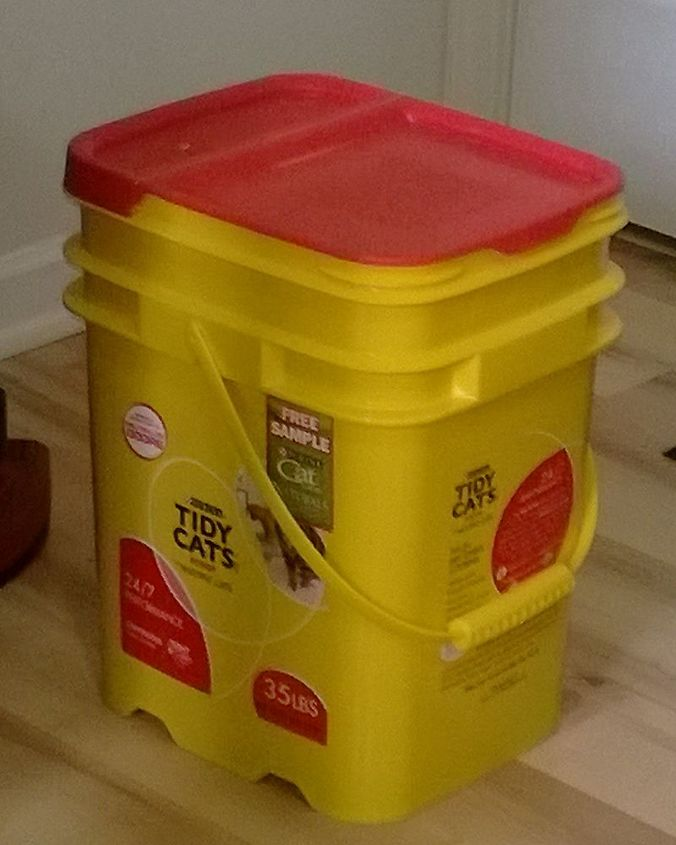 a new life for an old cat litter container, cleaning tips, repurposing upcycling