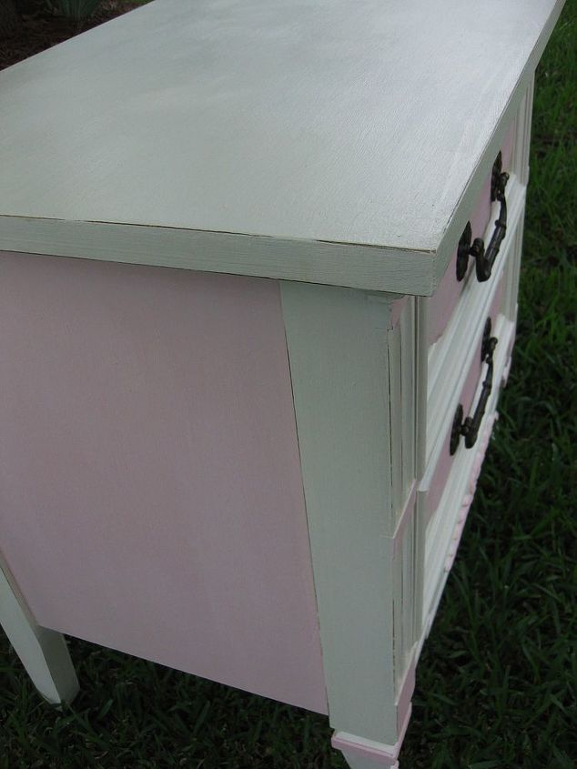 The pink insets were painted with a sample pot from Glidden, mixed with AS Old White, to soften the look, give it a chalk-like finish, and for durability.