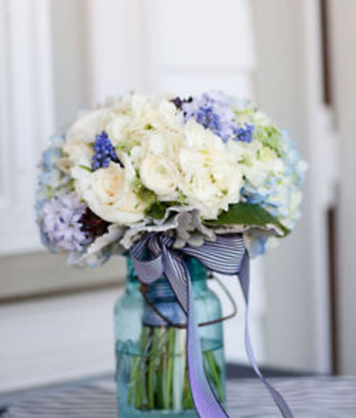flower arranging in the yard and in a vase, flowers, gardening, home decor, outdoor living