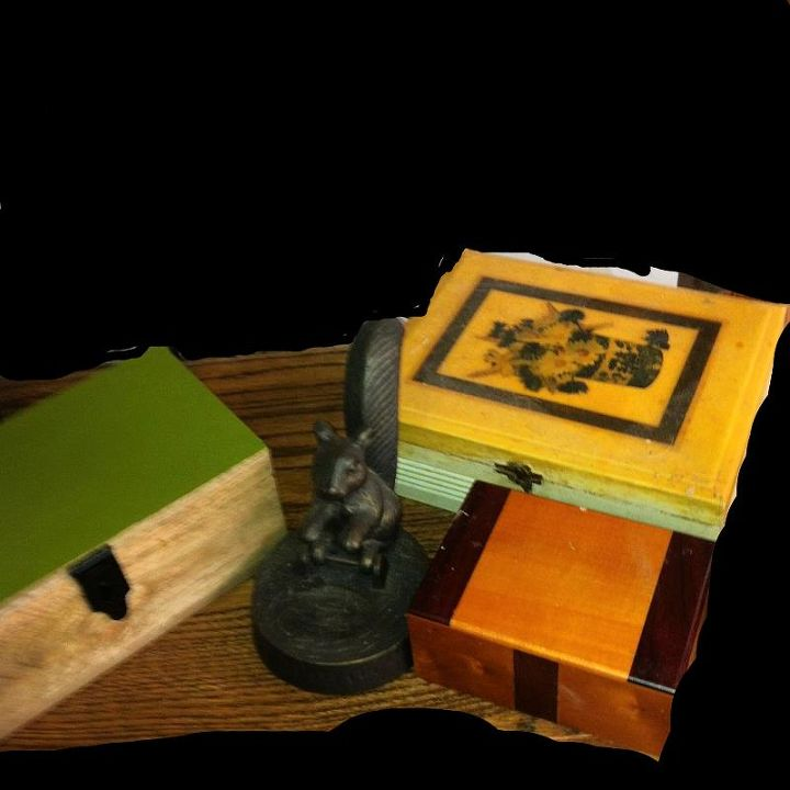 i have some really neat boxes, home decor, back right cigar box with a very old decal