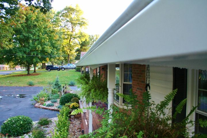 Clean gutters after minimal work! This is a great method! Read more to learn how I do it.