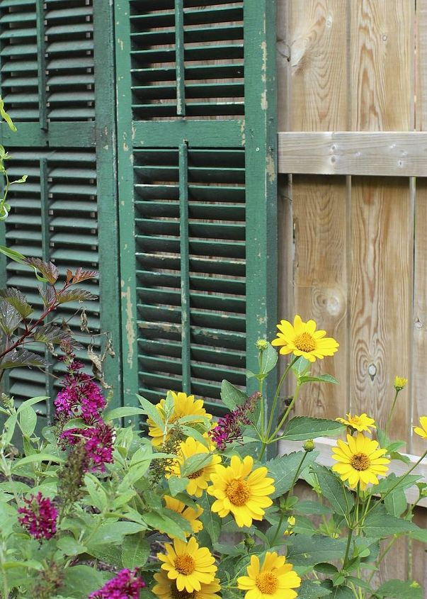It gives this new fence a bit of history and whimsy.