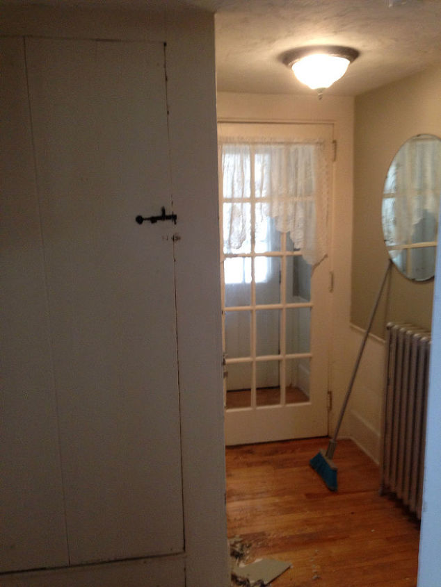 this is the BEFORE of the narrow side entry.