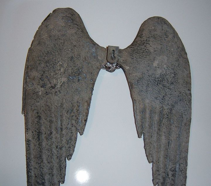 This is a photo of the original finish on the wings...