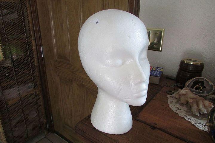 Styrofoam mannigan head.