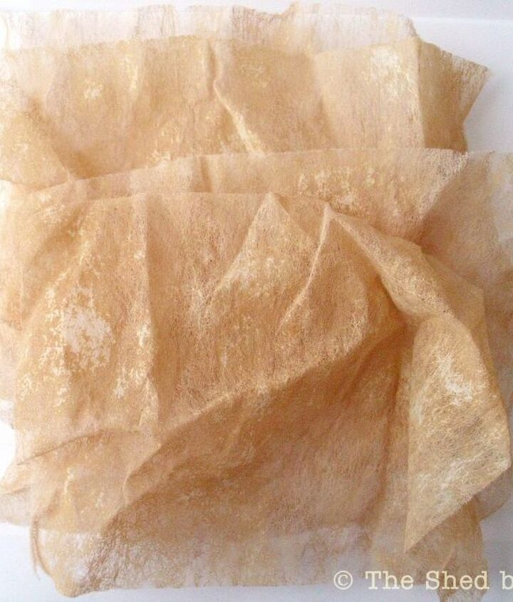 I show you how simple it is to dye the used dryer sheets using regular black tea. The flowers also look pretty if left in this state, taking on a rustic flair with the light-tan coloring.