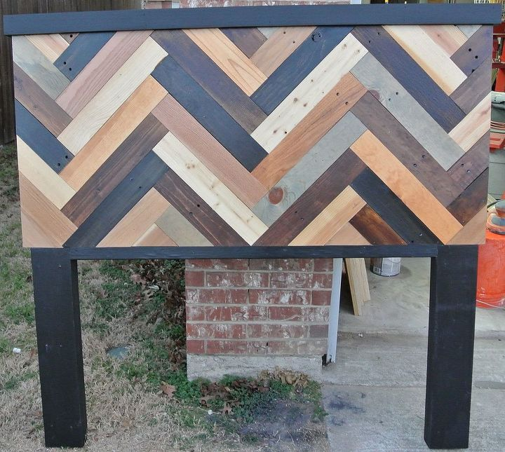 queen size chevron patterned headboard, bedroom ideas, painted furniture, repurposing upcycling