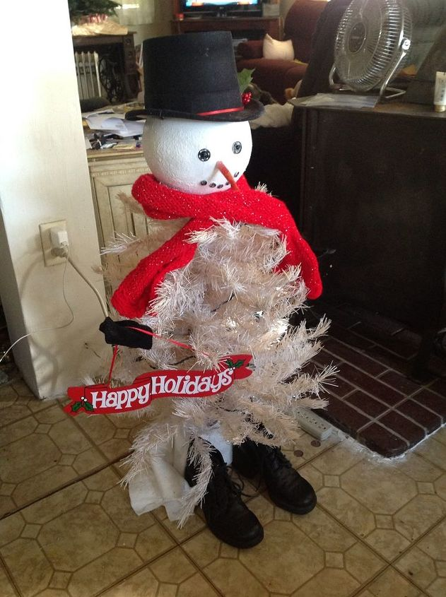 christmas snowman, christmas decorations, crafts, seasonal holiday decor, It turned out better than I thought You can t see the lights but used snow flake lights
