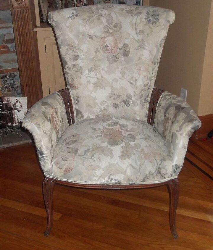another lovely vintage chair whe found