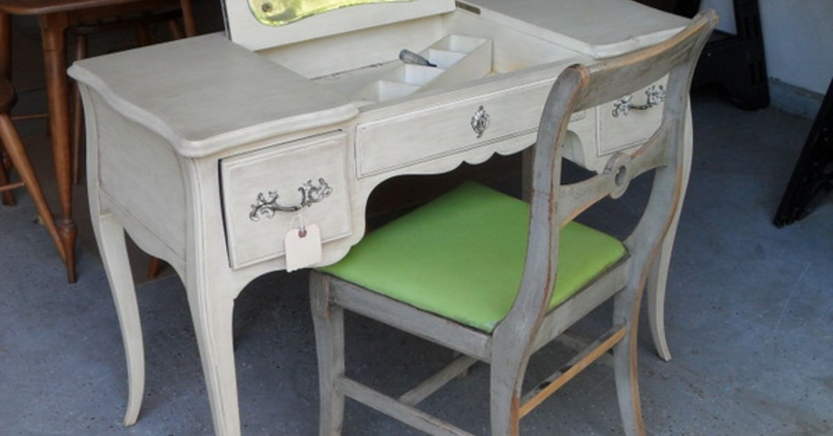 A Vanity Transformation With Annie Sloan Chalk Paint
