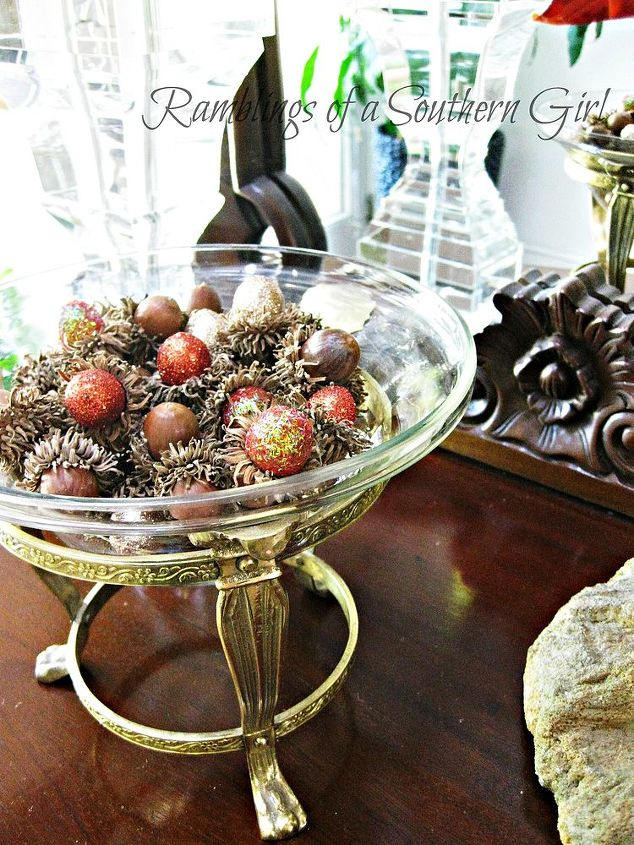 glittering acorns add a little bling to your fall decor, crafts, decoupage, seasonal holiday decor