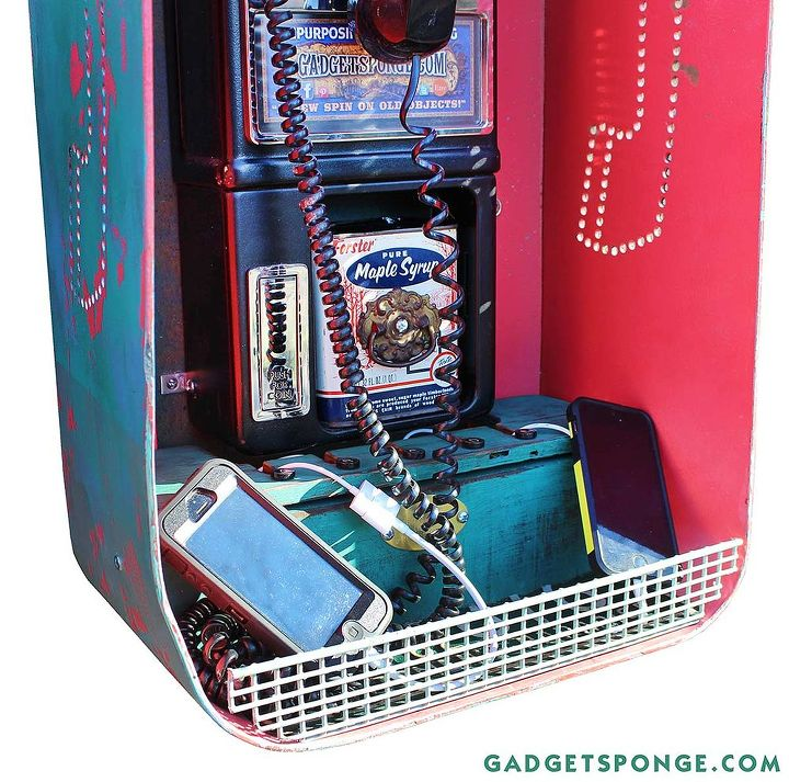 http://www.gadgetsponge.com/posts/2014/1/16/upcycled-repurposed-pay-phone-phone-charger-bank-accent-ligh.html