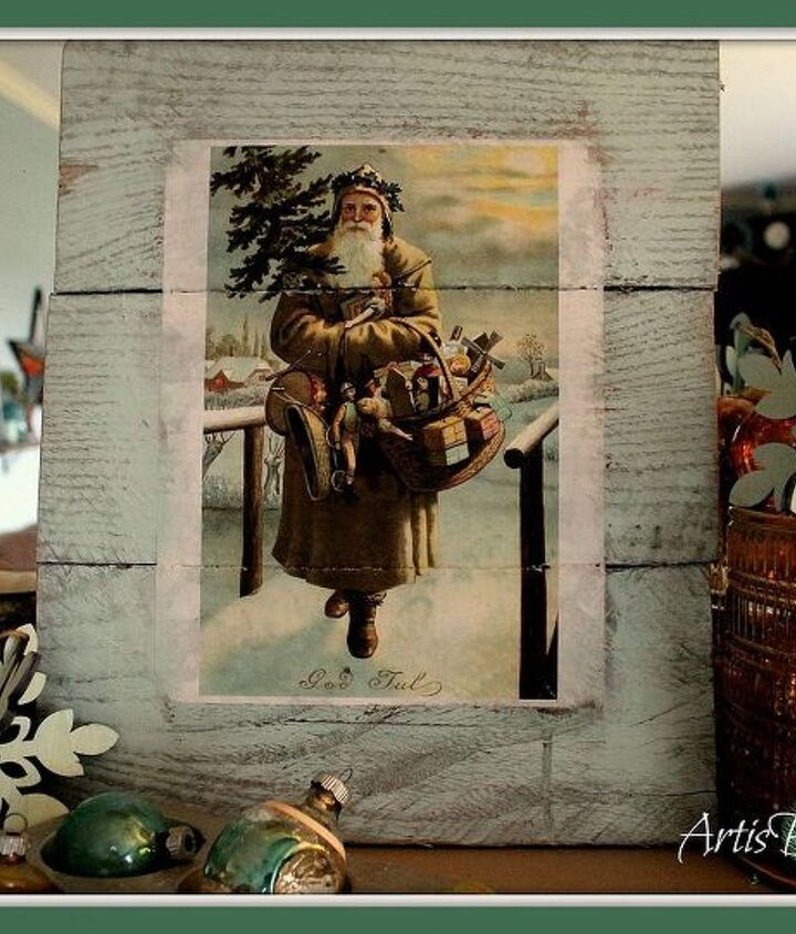"""and her you can see the finished project. My cute Vintage """"god jul"""" Swedish Santa Pallet art. All ready for Christmas!"""
