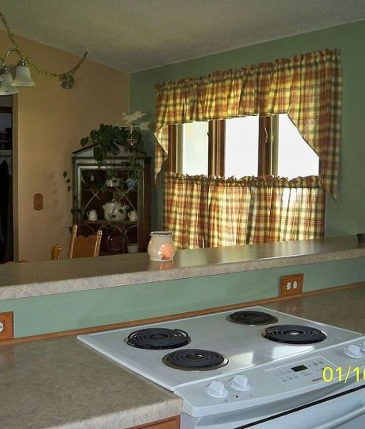 q back and forth on back splash, home decor, kitchen backsplash, kitchen design, tiling