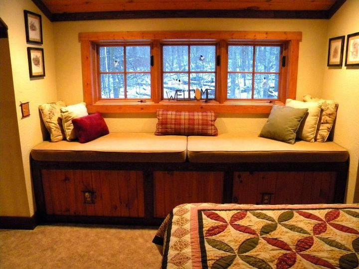 This cabin had so many nooks and crannies. This was a window seat in the loft.